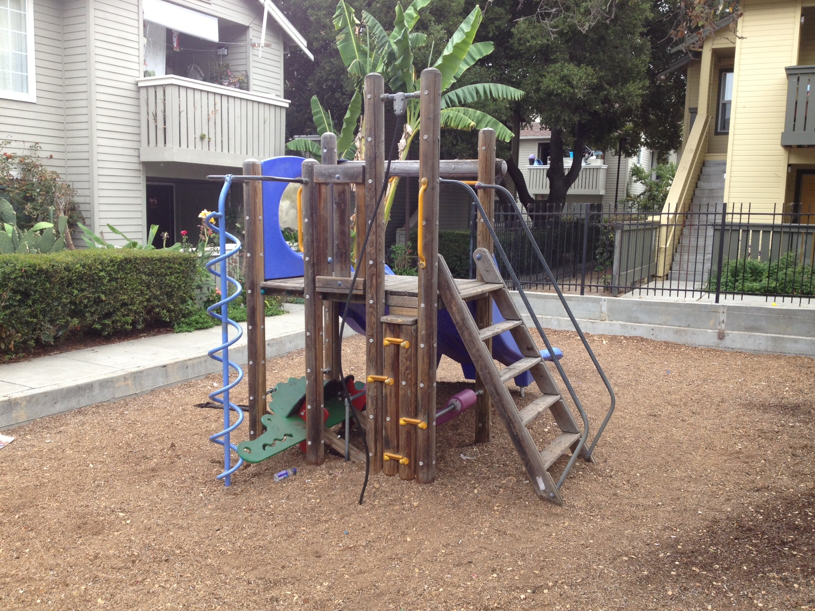 Playground Safety Inspection Report on HOA in Palo Alto CA